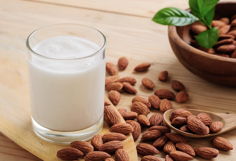 latte-di-mandorle-ricetta-arcadia